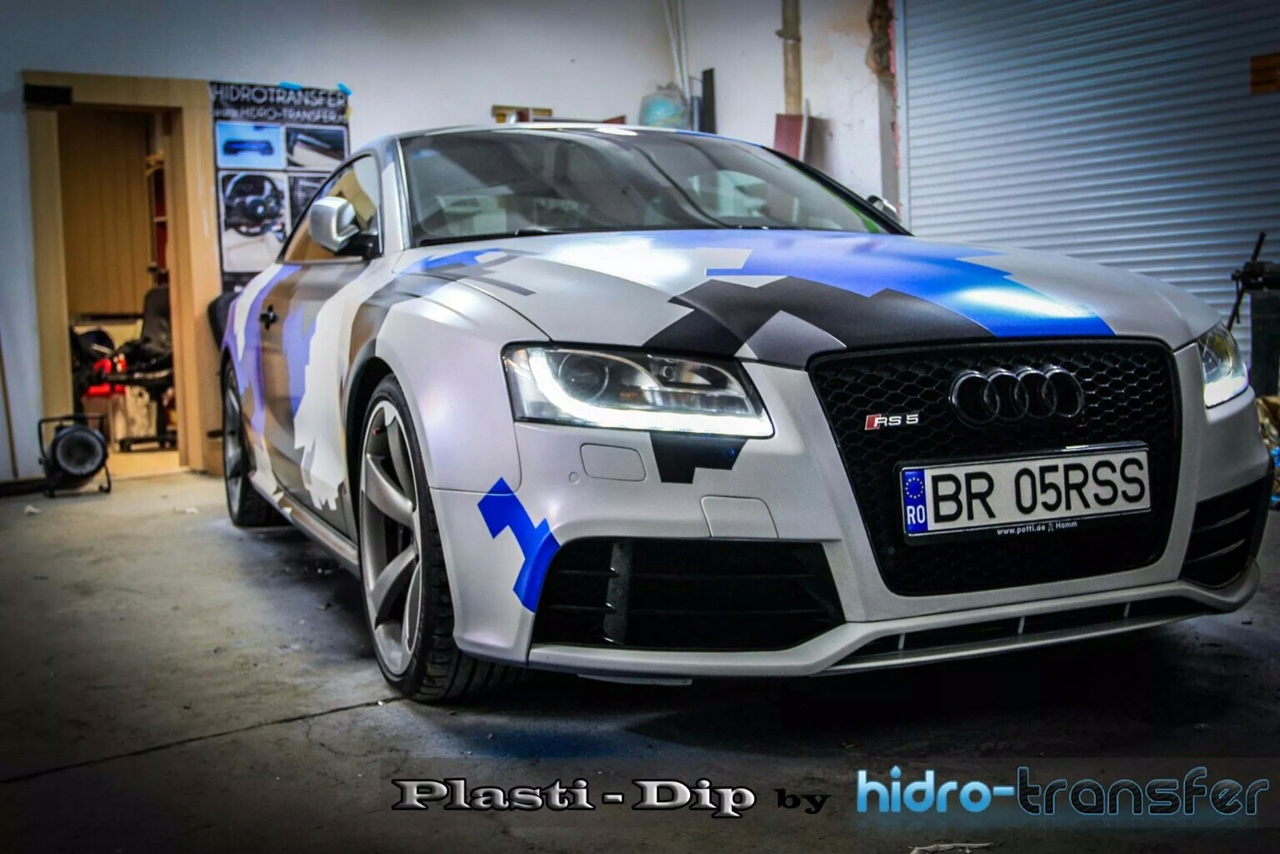 Audi Dipped in Hydro Transfer using Blue Ghost, Violet Ghost, Electric Blue, Black gunmetal. All this using pearl pigments from Paint with Pearl.