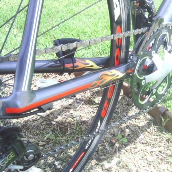 road bike with gunmetal black candy pearl