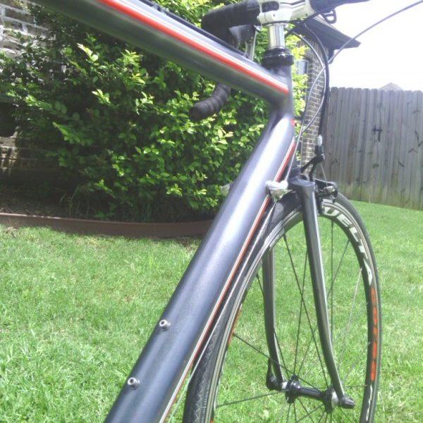 black gunmetal Color Pearls on road bike