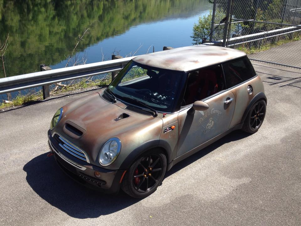 This is no rust bucket mini cooper. It is an effects paint !